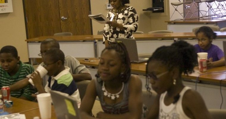 TAME Alumna Katrieva Jones-Monroe at her 2010 Educators With A Purpose STEM Day Camp, Credit to Tim Fischer of Midland Reporter Telegram